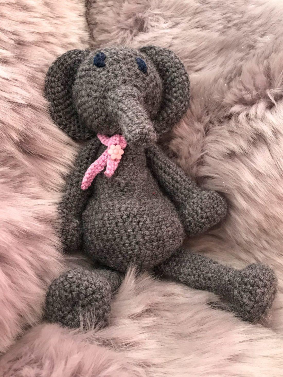 Patient éléphant crochet laine ménagerie doudous