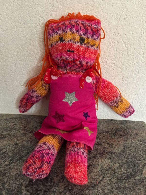 Poupée paloma tricot laine aiguille couture tissu