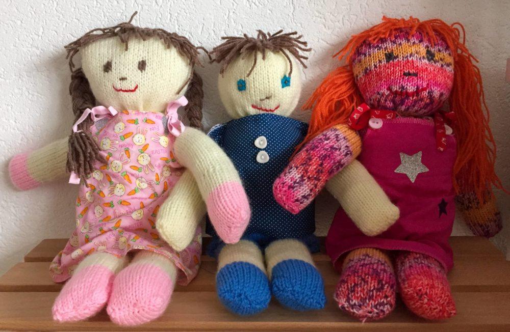 Poupées paloma tricot laine aiguilles couture tissu