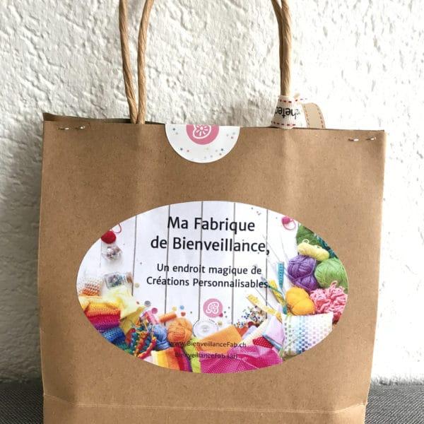boutique création suisse crochet sac cadeau pour doudou plat