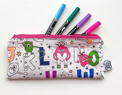 Trousse à colorier unique, swiss made, fait main, pour enfant avec stylos, personnalisable