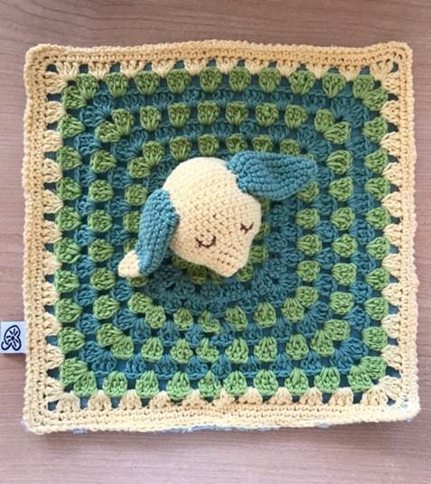 Boutique Suisse création crochet Doudou personnalisé au crochet pour bébé, unique, fait main, swiss made éco-friendly