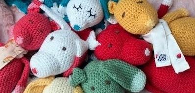 Doudous amigurimis uniques faits main swiss made personnalisés au crochet
